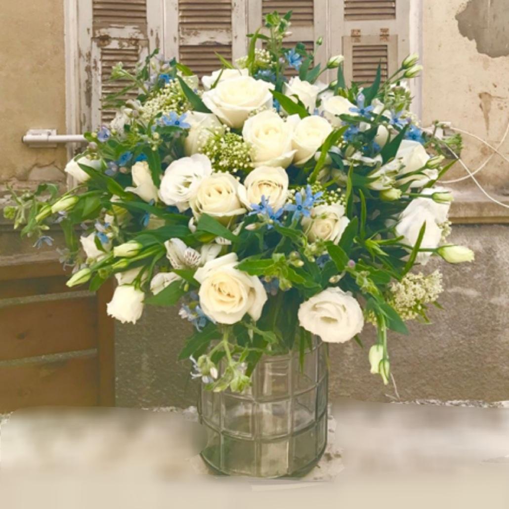 זר פרחים אהבה בלבן